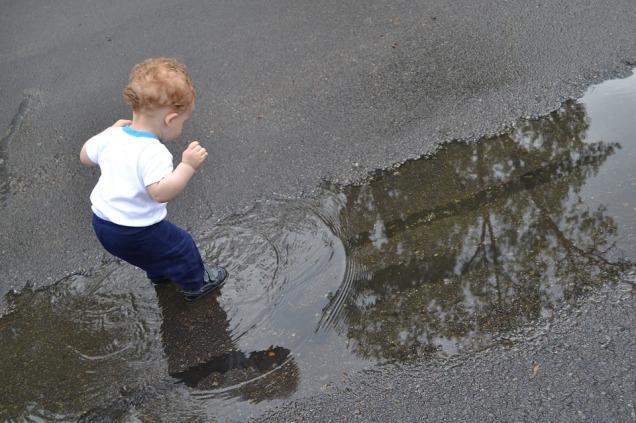 bambino acqua